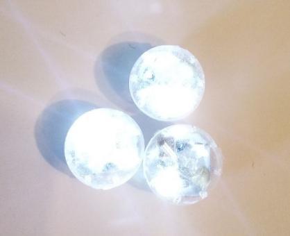 Светодиод круг средний мигает белым для шариков 2,2х2,2см
